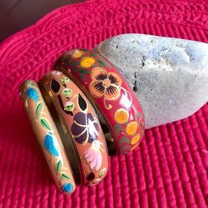 Set of 3 graduated floral print bracelets